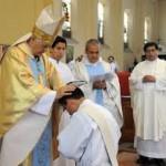 """Madres de sacerdotes al Papa: """"Proteja el celibato"""""""
